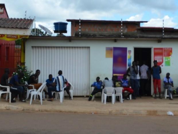 República tem mais de 50 imigrantes, segundo responsável pelo local (Foto: Iryá Rodrigues/G1)
