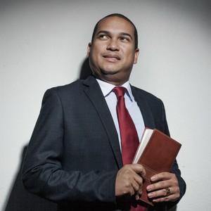O pastor André Salles converteu Marina Silva ao protestantismo (Foto: Rogério Cassimiro/ÉPOCA)