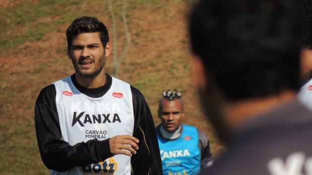 Tony lateral-direito Criciúma (Foto: João Lucas Cardoso)