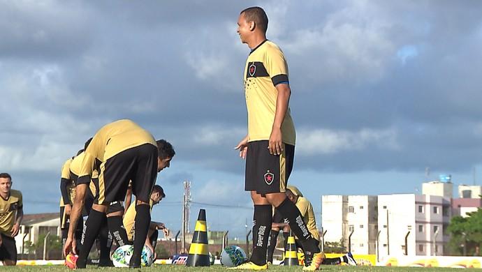 Warley, atacante do Botafogo-PB (Foto: Reprodução / TV Cabo Branco)