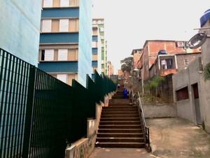 Apartamentos sociais e barracos convivem lado a lado na região de Paraisópolis, Zona Sul (Foto: Amanda Previdelli/G1)