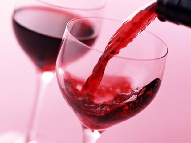 Vinho tinto mais radioterapia matou 97% das células cancerígenas (Foto: Reprodução)