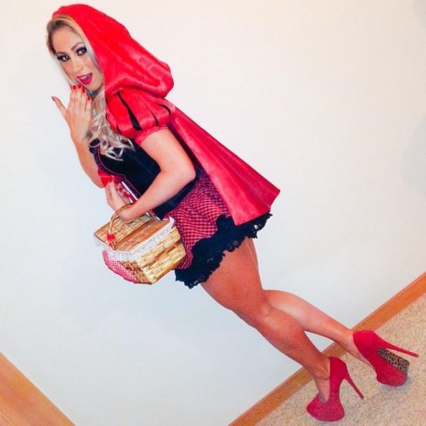 Carol Narizinho de Chapeuzinho Vermelho (Foto: Instagram)