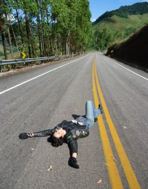 Cristal disse que andar de moto trouxe benefícios, como a sensação de liberdade (Foto: Arquivo Pessoal/ Lucimara Marques)