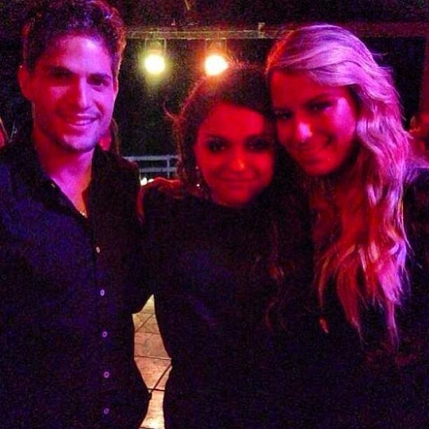 """Lela Gomes com o casal André e Fernanda, do """"BBB 13"""" (Foto: Reprodução_Instagram)"""