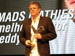 Marcos Paulo em premiação no Teatro Amazonas (Foto: Divulgação/SEC-AM)