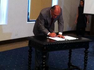Alckmin anunciou concurso nesta sexta-feira, no Palácio dos Bandeirantes.  (Foto: Letícia Macedo/G1)