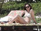 Dakota Johnson mostra o corpo em forma de biquíni em férias no México