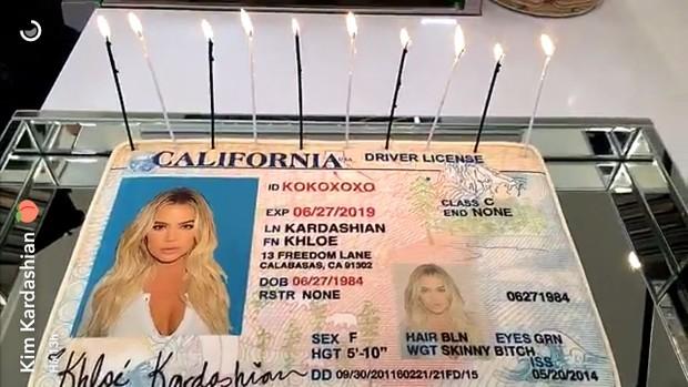 Khloe Kardashian comemora o sobrenome de solteira (Foto: Reprodução/Instagram)