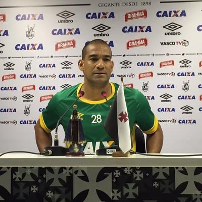 Rodrigo Vasco coletiva (Foto: Sofia Miranda/ GloboEsporte.com)