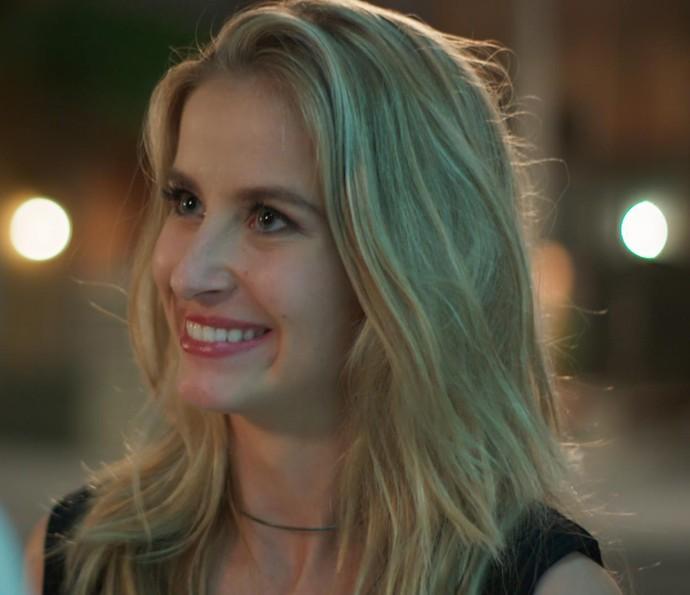 Bárbara manda a real: 'Já está mais do que na hora da gente começar a pensar em morar juntos' (Foto: TV Globo)
