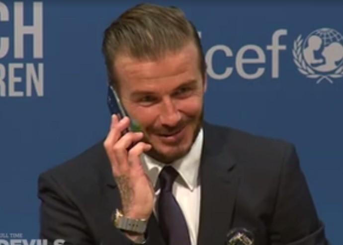 BLOG: Alô, Beckham! Ídolo inglês atende telefone de jornalista durante entrevista coletiva