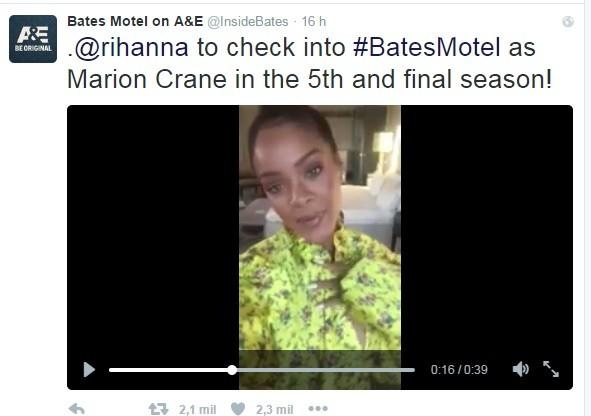 Rihanna comemora participação em 'Bates Motel' (Foto: Reprodução/Twitter)