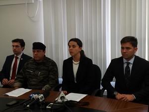 Promotora Paula Lino explica como o esquema funcionava  (Foto: Raquel Freitas/G1)
