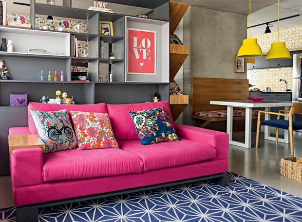 cor na decora o apartamento pequeno mistura rosa azul e amarelo casa e jardim decora o. Black Bedroom Furniture Sets. Home Design Ideas