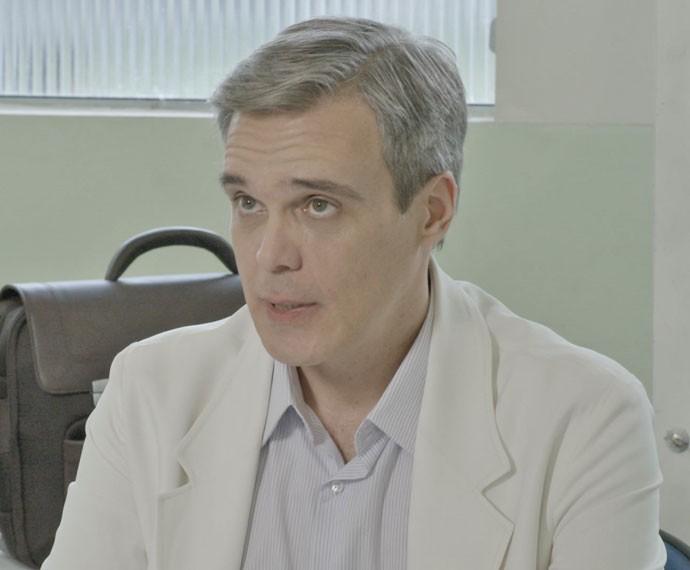Pela cara de Tomás, ele não vai gostar nem um pouco da notícia (Foto: TV Globo)