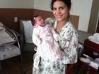 Aline Barros mostra carinha da filha no Twitter
