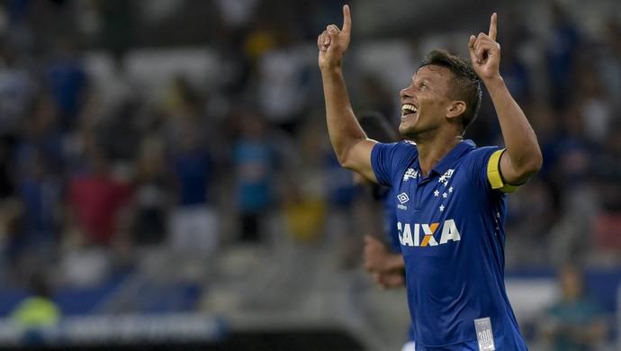 Henrique; Cruzeiro (Foto: Washington Alves)