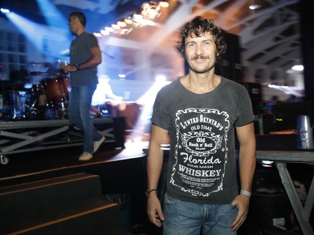 Gabriel Braga Nunes em festa na Zona Sul do Rio (Foto: Miguel Sá/ Divulgação)