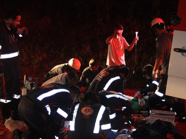 Cinco pessoas foram socorridas em estado grave de saúde (Foto: Valdivan Veloso/G1)