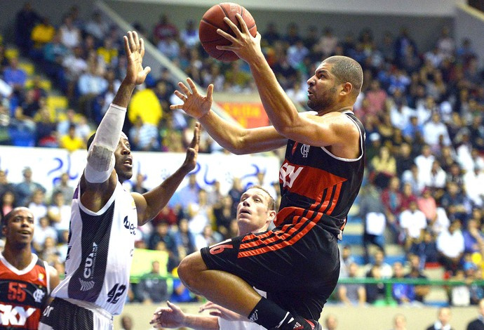 Olivinha Mogi das Cruzes e Flamengo Basquete (Foto: João Pires / LNB)