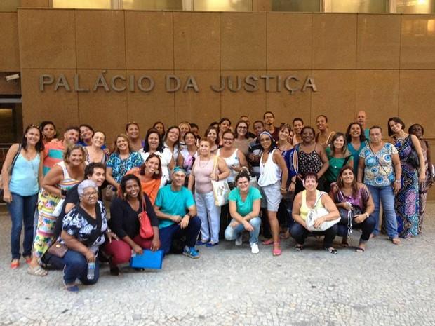 Categoria, em greve desde dezembro, compareceu à audiência no TJRJ (Foto: Divulgação/ Ascom Sepe)
