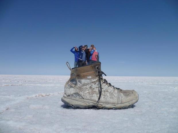 Higor e amigos no Deserto de Sal do Chile (Foto: Higor Lube/ Arquivo Pessoal)