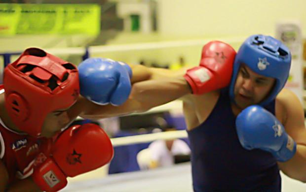 Gleison Abreu, o 'Mamute', conquista o quinto título pela Confederação Brasileira de Boxe (Foto: Divulgação/CBBoxe)