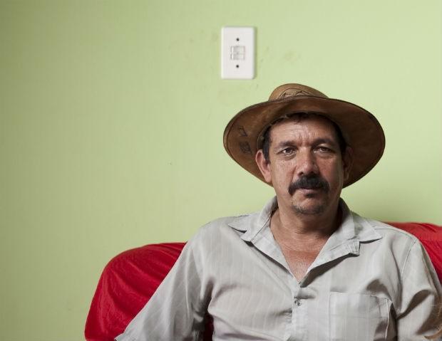 Adão Rodrigues, ex-barrageiro, era dono de um prostíbulo próximo de onde está sendo construída a hidrelétrica de Jirau, em Rondônia. Com a construção de Belo Monte, inaugurou um prostíbulo em Altamira. Foto tirada em 4 de julho de 2011 (Foto: Filipe Redondo/ÉPOCA)