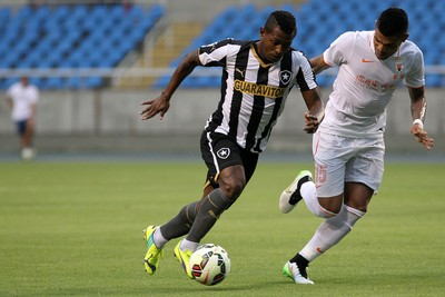 Jobson, Botafogo x Shandong Luneng (Foto:  Vitor Silva / SSPress)