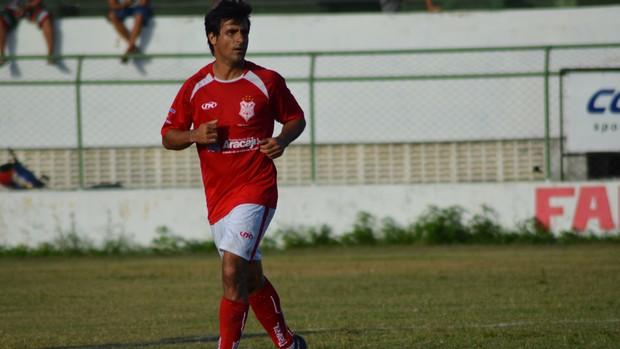 Petrolina diz que não gostou do 2º tempo do Sergipe (Foto: Felipe Martins/GLOBOESPORTE.COM)