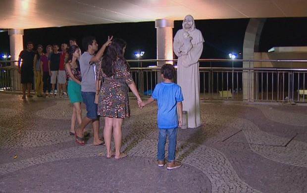 Josafá trabalha como estátua viva em Manaus (Foto: Amazônia Revista)