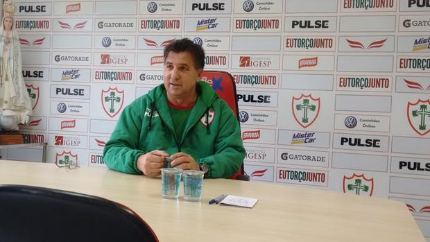 Estevam Soares, técnico da Portuguesa