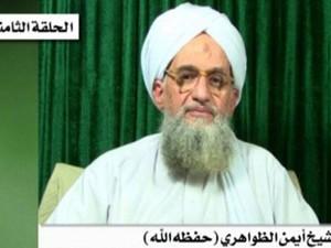 A rede terrorista Al-Qaeda mantém como refém um trabalhador americano de um grupo de ajuda humanitária capturado em agosto passado no Paquistão, informou em gravação na internet o líder da rede terrorista, Ayman al-Zawahiri. (Foto: AFP/SITE)