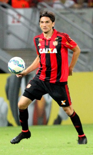 Matheus Ferraz Sport (Foto: Aldo Carneiro / Pernambuco Press)