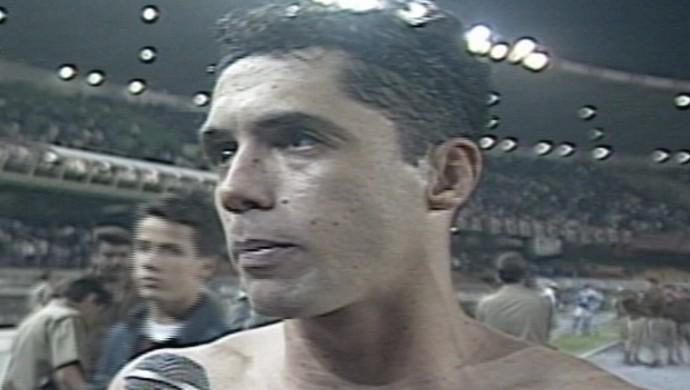 Fabinho volante do Cruzeiro em 1996 (Foto: Reprodução/ Tv Globo)