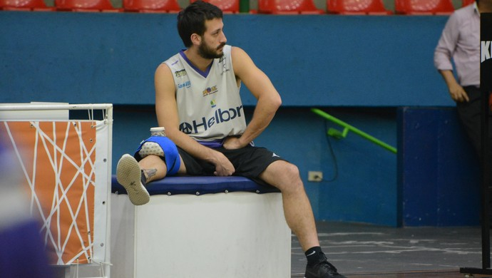 Elinho treino Mogi das Cruzes Basquete (Foto: Cairo Oliveira)