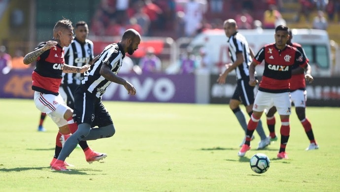 Guerrero Flamengo e Bruno Silva Botafogo / Flamengo x Botafogo (Foto: André Durão)