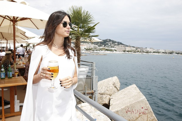 Thaila Ayala em Cannes (Foto: Felipe Panfili / AgNews)
