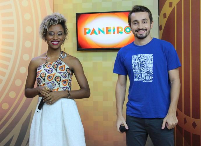 Jaque Santtos e Moacyr Massulo comandam 'Paneiro' de fim de ano (Foto: Katiúscia Monteiro/ Rede Amazônica)