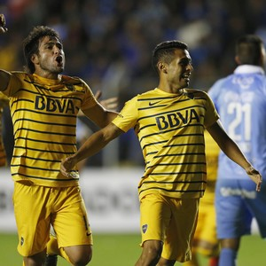 Lodeiro e Carrizo comemoram gol do Boca Juniors (Foto: AP Photo/Juan Karita)