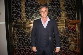 Oscar Magrini comemora aniversário na Zona Oeste do Rio (Foto: Rogerio Fidalgo/ Ag. News)