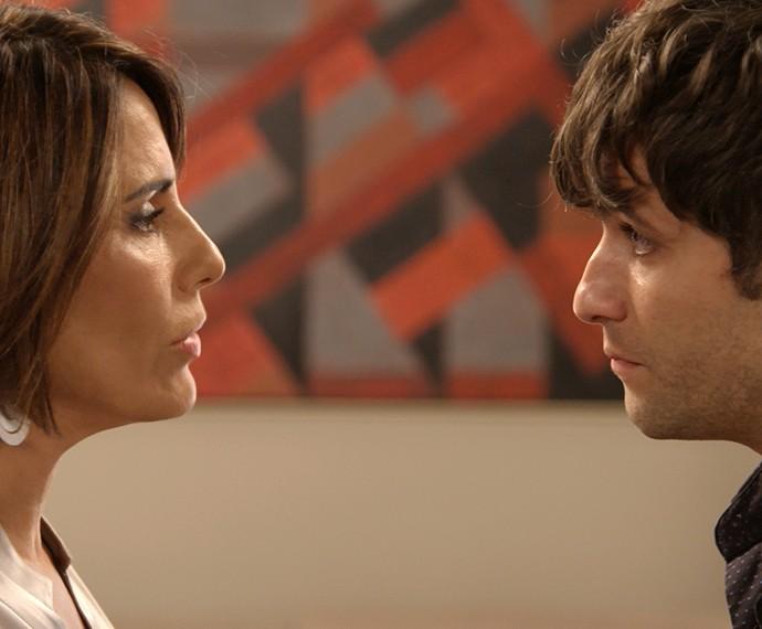 Murilo vai atrás de Beatriz (Foto: TV Globo)