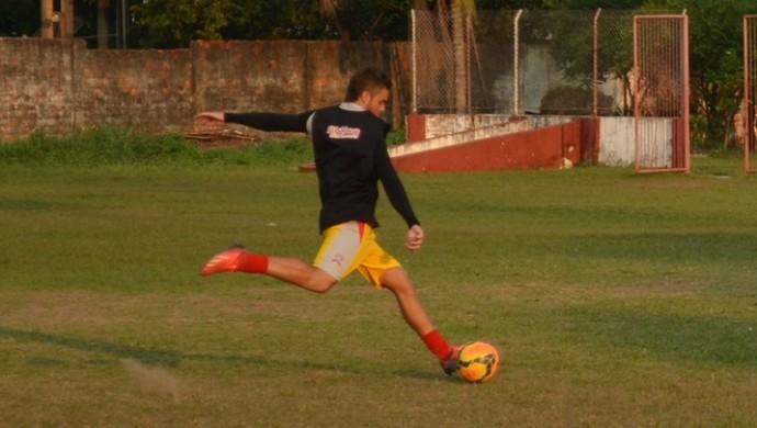 Matheus Cruz, meia Rio Branco-AC (Foto: Duaine Rodrigues)