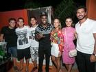 Isis Valverde curte noite carioca ao lado do namorado Uriel Del Toro