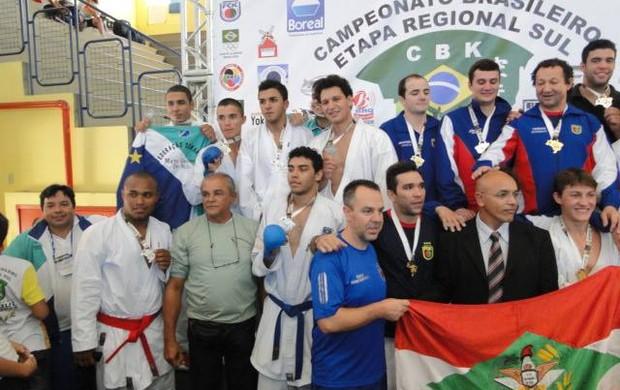 Atletas Mato Grosso do Sul brasileiro regional sul karatê (Foto: Divulgação/FKMS)