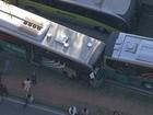 BH - 8h20: Acidente entre ônibus deixa feridos na Av. Antônio Carlos