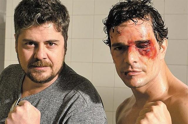 Thomas Stavros e Daniel de Oliveira (Foto: Produção Carioca)