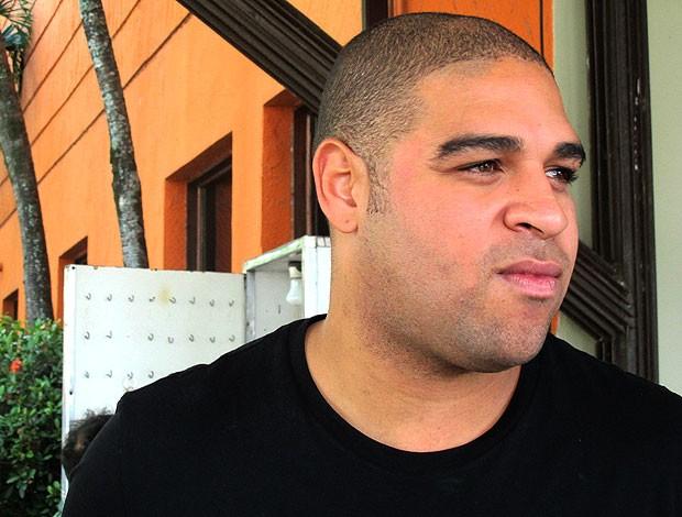 Adriano entrevista  (Foto: Janir Júnior / Globoesporte.com)