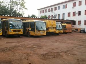 Transporte escolar está parado em função da mobilização (Foto: Mauricio Rebellato/RBS TV)